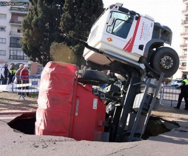 sink-hole-truck