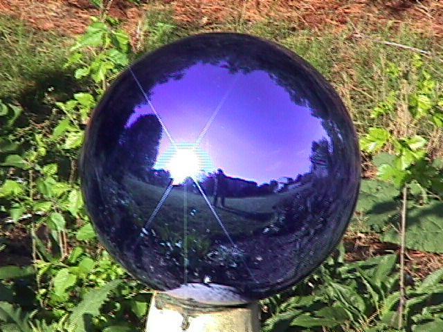blue_gazing_ball.jpg